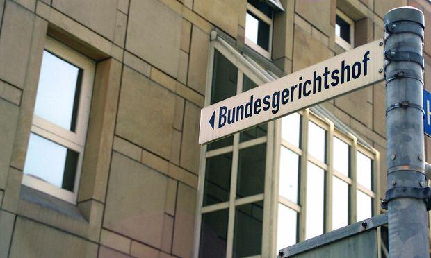 Das Spaghettimonster fliegt in Richtung Bundesgerichtshof in Karlsruhe.