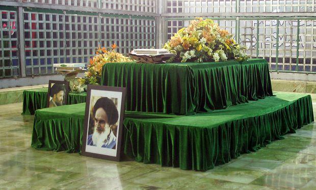 Teheran: Am Mausoleum von Ajatollah Khomeini gab es Anschlag