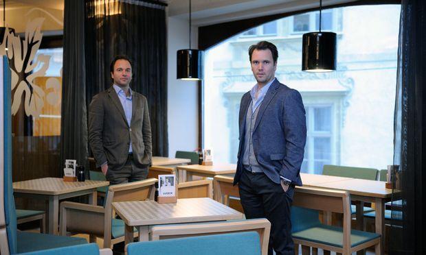 Hans (l.) und Thomas Figlmüller in ihrem neuen Wirtshaus Lugeck.