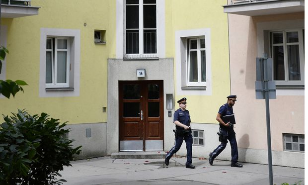 WIEN: FENSTERSTURZ - DREIJ�HRIGES KIND IN LEBENSGEFAHR