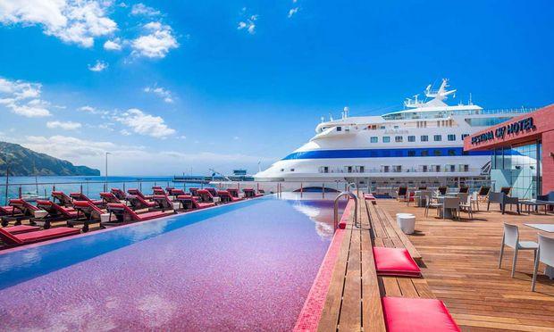 """An """"Deck"""" von Christiano Ronaldos Hotel Pestana CR7"""
