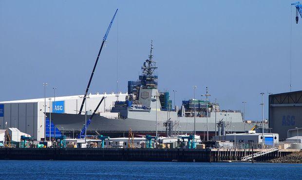 Der Zerstörer Hobart, hier noch im bau in der Werft von Adelaide, 2015.