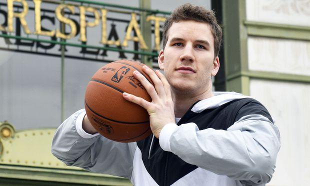 BASKETBALL: NBA PROFI JAKOB POeLTL