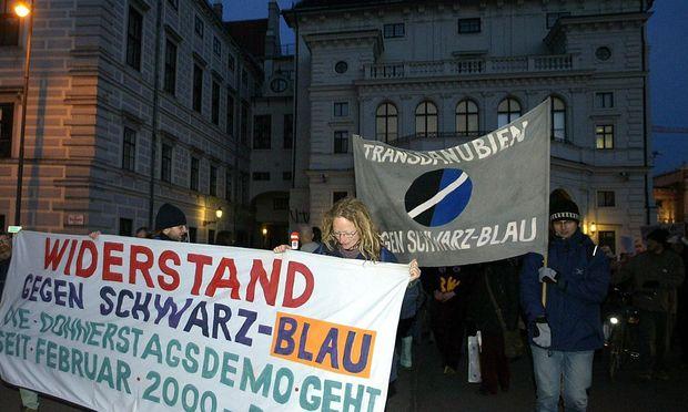 Demo gegen Schwarz-Blau 2005