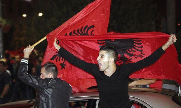 abbruch serbien vs albanien dating