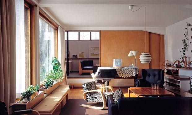 Wohnzimmer. Alvar Aalto lebte und arbeitete in seinem Haus in Helsinki-Munkkiniemi.
