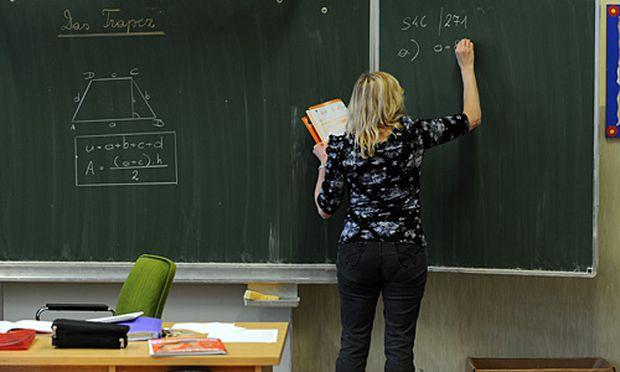 Salzburgs Landeshauptfrau ist für eine durchgehende Lernbetreuung in den Ferien.
