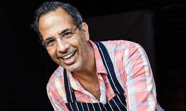 Süß. Yotam Ottolenghi, britisch-israelischer Koch, hat sein sechstes Kochbuch gemacht.
