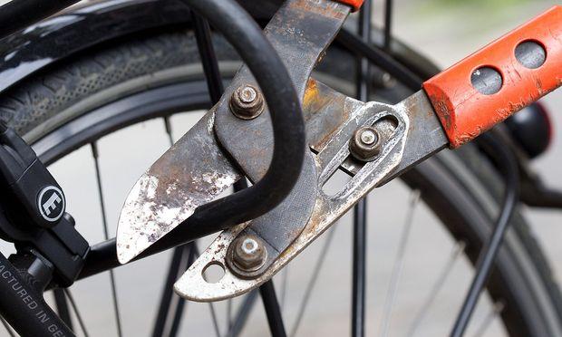 Test Bolzenschneider Knackt Fast Jedes Fahrradschloss Diepressecom