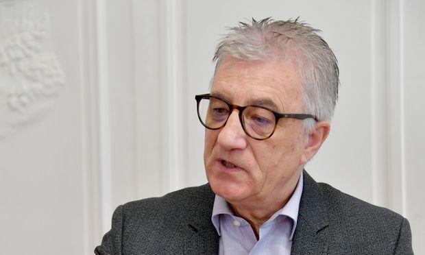 Auf der harten Oppositionsbank: Salzburgs SPÖ-Chef, Walter Steidl.  / Bild: (c) APA/BARBARA GINDL