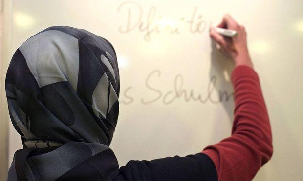Vizekanzler Strache für Kopftuchverbot in Volksschulen