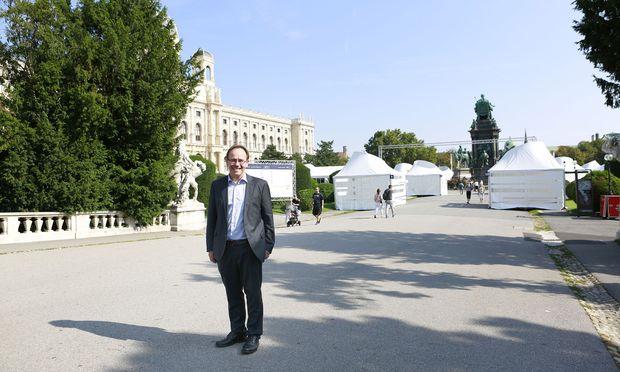 Wissenschaft brauche Geschichten, um zu begeistern, sagt FWF-Präsident Klement Tockner. Das soll in 18 Pavillons auf dem Maria-Theresien-Platz passieren.