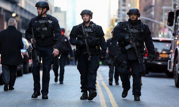 Trump fordert strengere Einwanderungsgesetze nach Anschlagsversuch