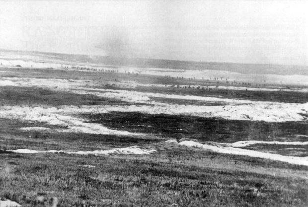 1. Juli 1916: 2. Bataillon, Gordon Highlanders im Angriff über das tödliche Niemandsland