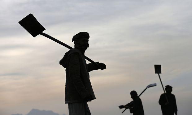 Arbeiter in Kabul: Geregelte Migration von Arbeitskräften brächte beiden Seiten Vorteile. Voraussetzung ist aber, dass die Vermischung von Asyl und Arbeitsmigration beendet wird.