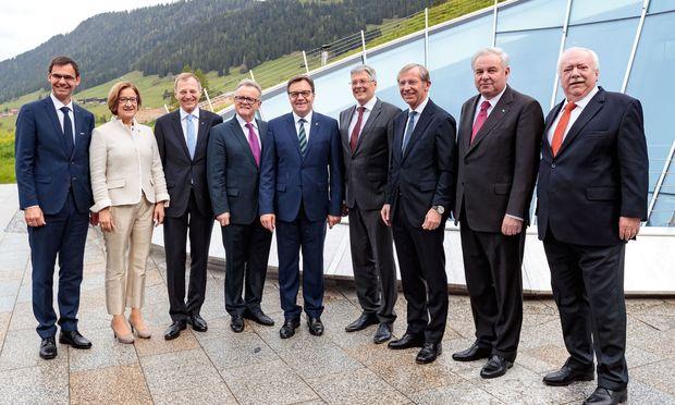 Michael Häupl (rechts) ist heute das letzte Mal im Kreis der Landeshauptleute- Kollegen. Aufgenommen wurde das Foto im Vorjahr in Alpbach.