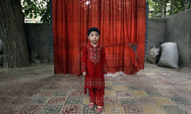 Mindestens eine Million Menschen sind in Umerziehungslagern in Xinjiang interniert. Kinder wissen nicht, wo ihre Eltern sind.