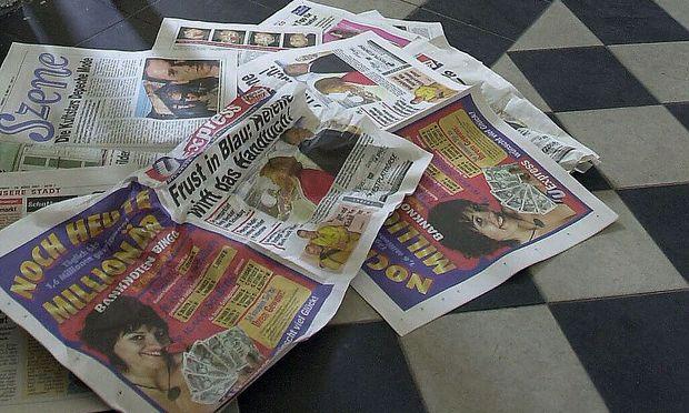 Weggeworfene Zeitungen in den U-Bahnen und auf Bahnsteigen sorgen wieder einmal  für Unmut.