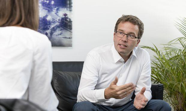 Die Arbeitslosigkeit werde dauerhaft höher bleiben als vor der Wirtschaftskrise, sagt AMS-Chef Johannes Kopf.