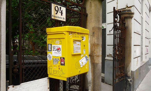 Aufgegeben? Briefkasten, Wien Mariahilf.