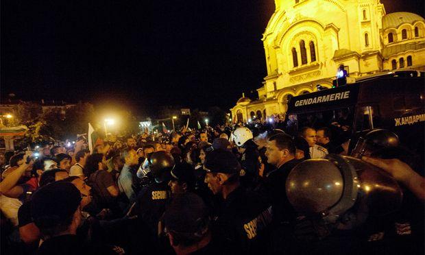 Bulgariens Politiker saßen stundenlang fest.