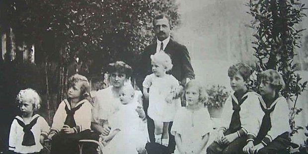 Kaiser Karl und seine Familie 1921 in der Schweiz