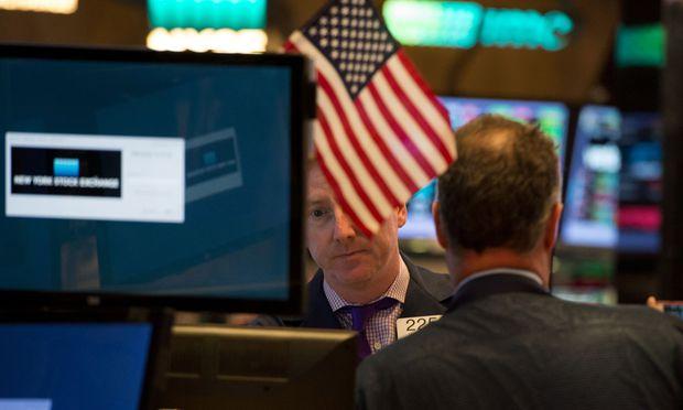 Grund für die Entwicklung sind die weltweit einzigartig hohen Kursgewinne bei US-Aktien seit dem Beginn des Bullenmarkts im Jahr 2009.