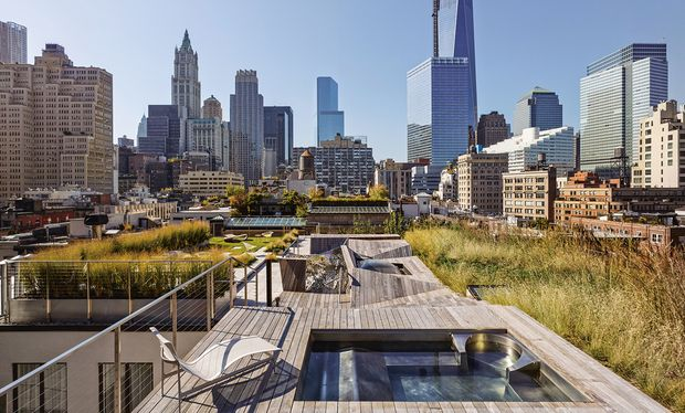 Gr ne oasen geheime dachg rten in new york mailand und for Garden city pool 2015