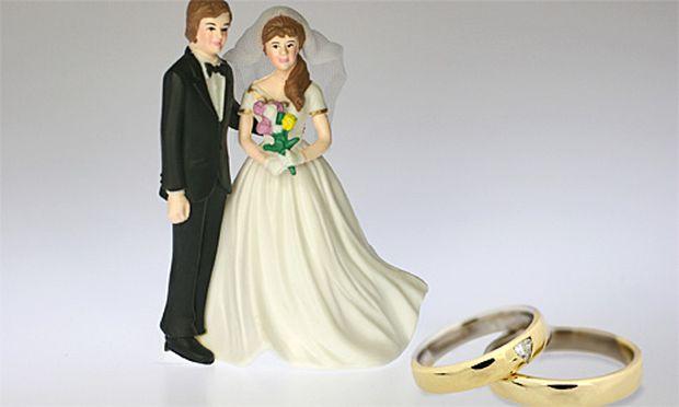 Jemanden aus einem anderen Land für Geld heiraten