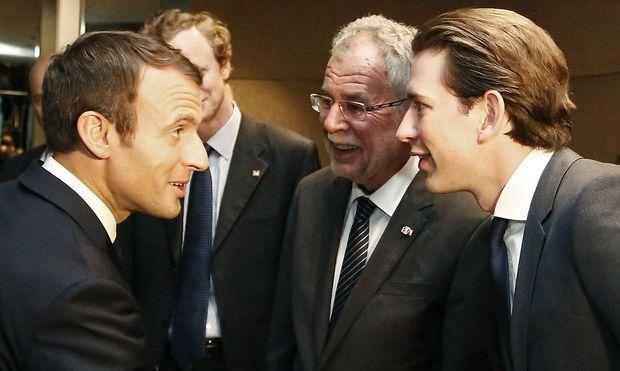Sebastian Kurz (re.) und Alexander Van der Bellen (2.v.r.) trafen in New York auf Frankreichs Präsidenten Emmanuel Macron.