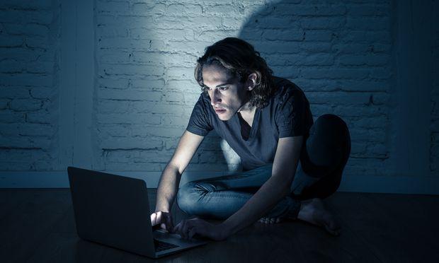 Drohungen und Ankündigungen in sozialen Medien sind mitunter Hinweise auf potenzielle Bedrohungen an Hochschulen.