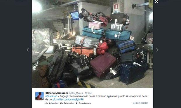 Die Italiener machen auf der Online-Plattform Twitter ihrem Ärger über die verlassenen Koffer Luft.