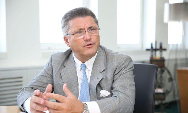 Porr-Chef Strauss hält neue Barrieren auf dem EU-Arbeitsmarkt für Schwachsinn.