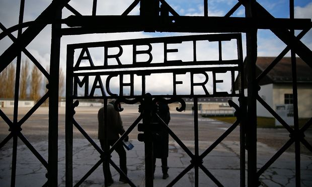 Der Eingang zum Konzentrationslager Dachau.