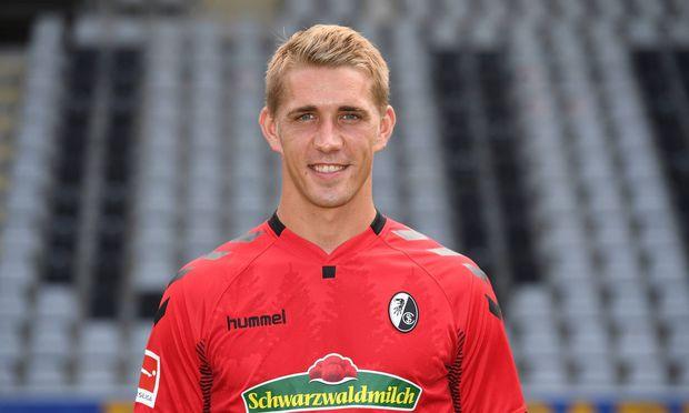 Stürmer Nils Petersen will für Freiburg treffen.