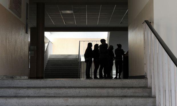 Die Bildungschancen eines Kindes hängen nicht nur vom eigenen (sozialen) Hintergrund ab – sondern auch von der Zahl der benachteiligten Mitschüler.