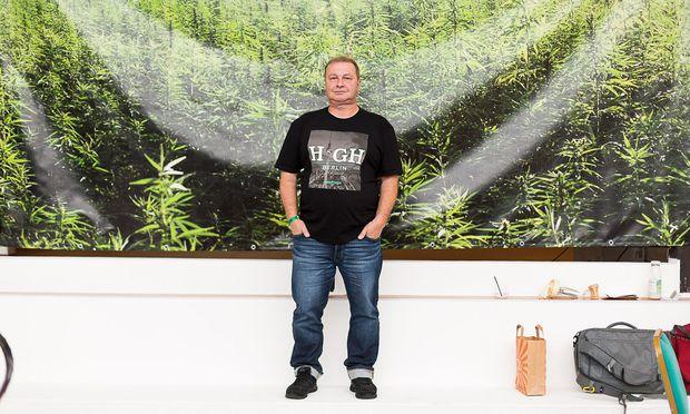 Günter Weiglein hat erst mit Cannabis seine Schmerzen in den Griff bekommen.