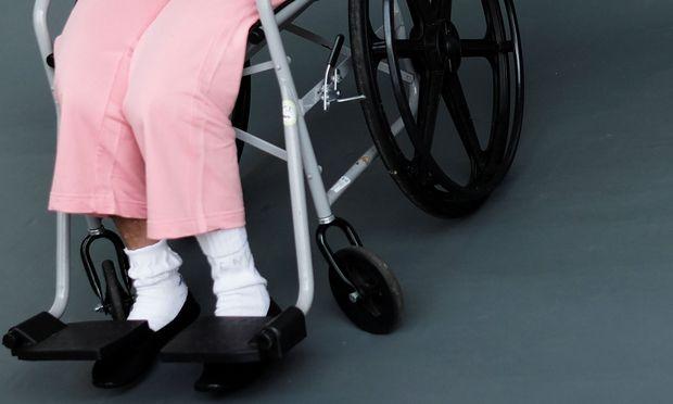 Beim Transport und bei Arztleistungen ist die Krankenkasse weitgehend von Haftungen befreit.