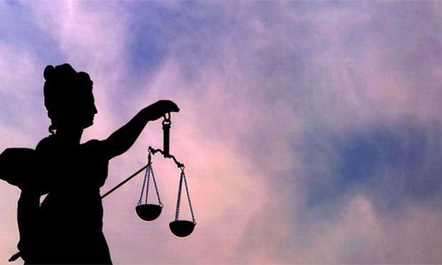 Nach Protesten Justiz bekommt