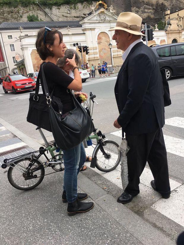 Kentridge ist zur Zeit unterwegs auf Salzburgs Straßen
