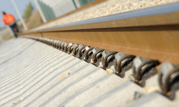 Die Teststrecke entsteht auf einer 2011 eingestellten Strecke (Symbolbild). / Bild: Die Presse (Clemens Fabry)
