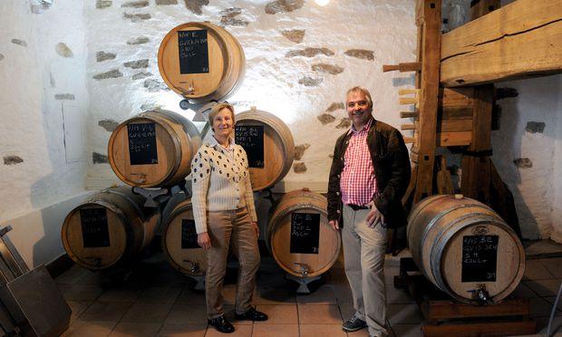 Christine und Thomas Mayer produzieren in einem alten Weinkeller in Krems Balsamico.
