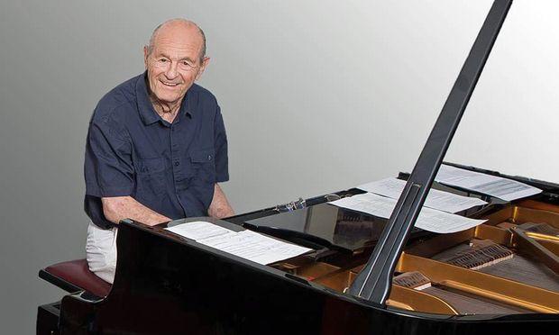 Gesungen habe er zuletzt während der Studentenzeit, erzählt Klaus Wüsthoff. Jetzt singt er wieder.