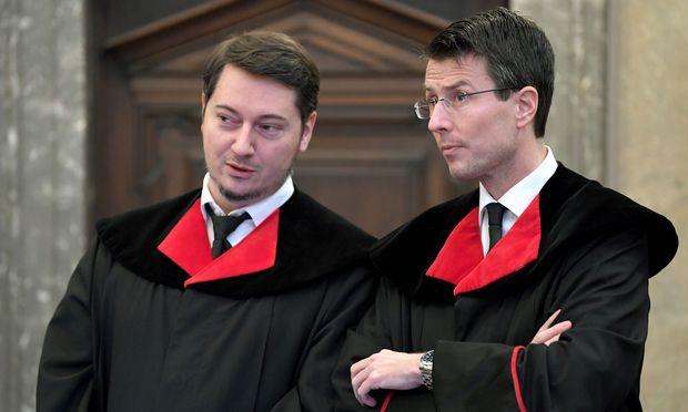 Staatsanwälte Alexander Marchart (l.) und Gerald Denk