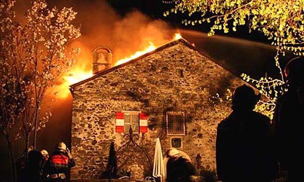 Dachstuhlbrand auf Burg Klamm