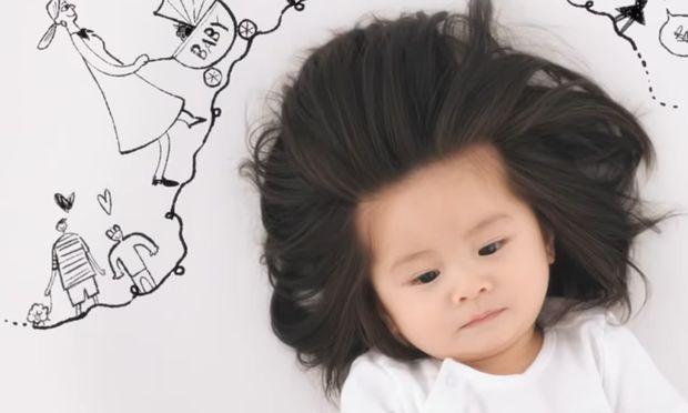 Baby Chanco wird um ihr Haar beneidet.