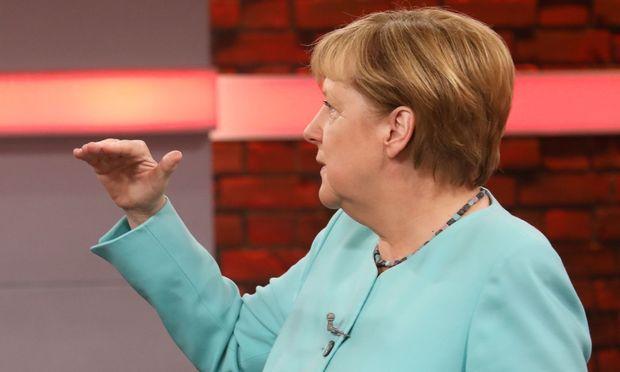 CDU-Chefin Angela Merkel in der RTL-Fragerunde / Bild: APA/AFP/RTL/ANDREAS FRIESE