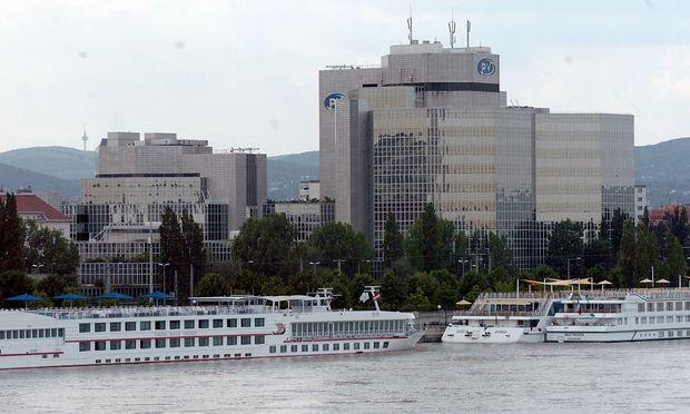 Symbolbild: Kreuzfahrtschiffe am Handelskai in Wien.