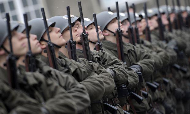 Fast ein Viertel der jungen Männer ist für den Dienst mit der Waffe (und damit auch für den Zivildienst) untauglich.