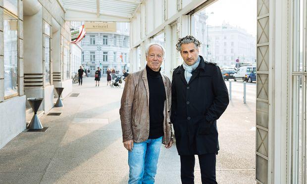 Vor dem Konzerthaus: Orchestergründer Norbert Täubl (l.) und Dirigent Rémy Ballot.
